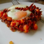 healthy recipe - sweet potato hash and eggs