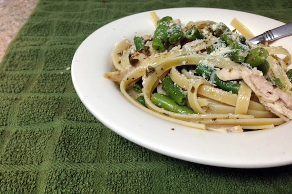 Garlic Pesto Green Bean Chicken Pasta dish - amerrylife.com