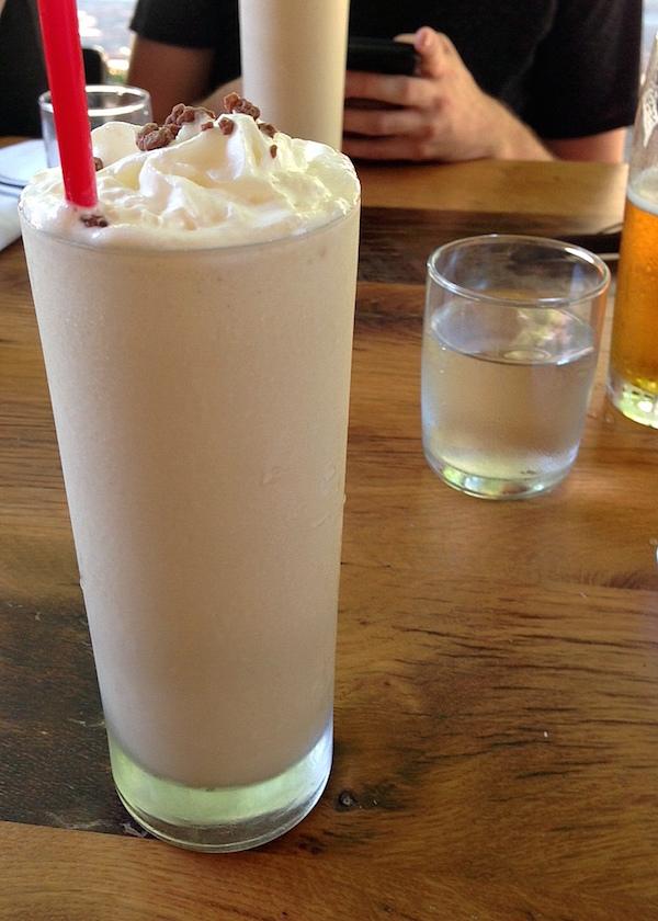 Memphis restaurant Oshi Burger alcoholic milkshake