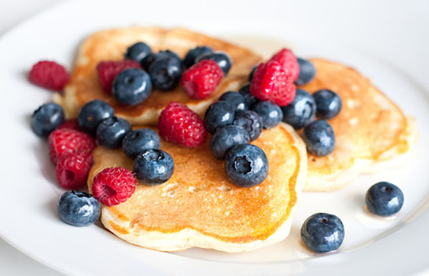 Whole-Wheat-Greek-Yogurt-Pancakes