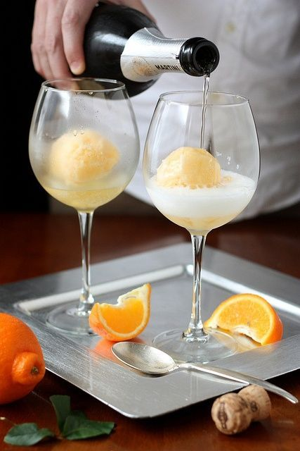 orange sherbert mimosa - brunch shower ideas