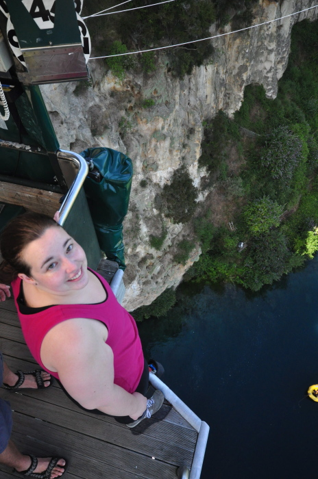 bungy jump in new zealand