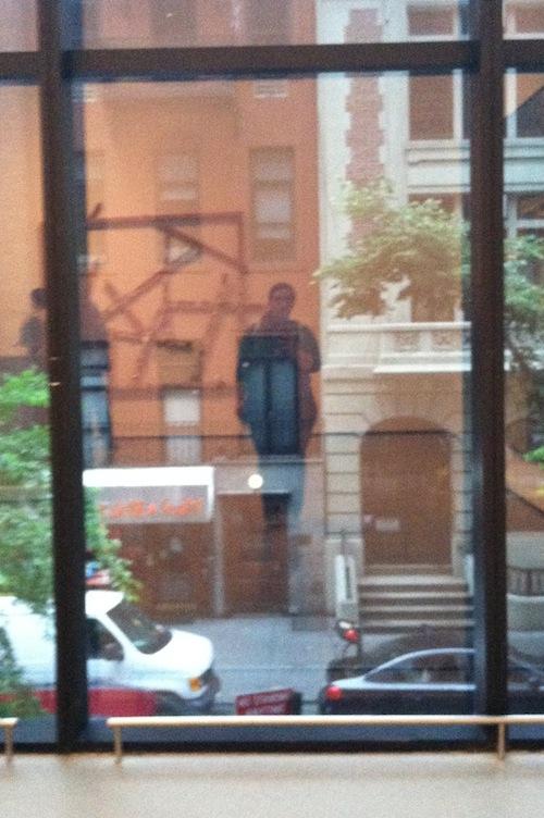 nyc art museum selfie