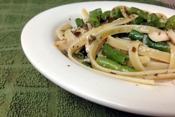 Garlic Pesto Green Bean Chicken Pasta recipes - amerrylife.com
